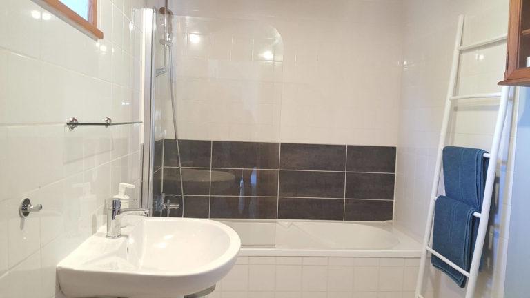 La-Perdrix-bathroom