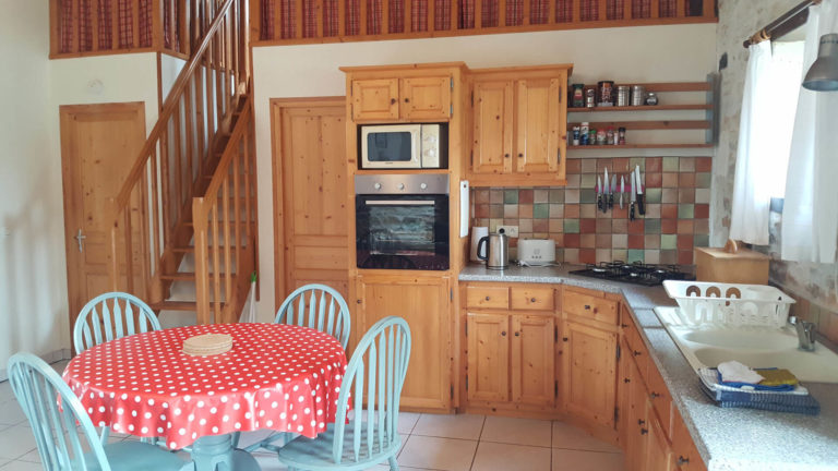 La-Perdrix-kitchen