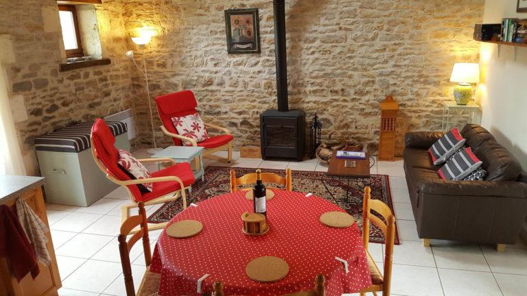 Le-Poirier-salle-et-manger