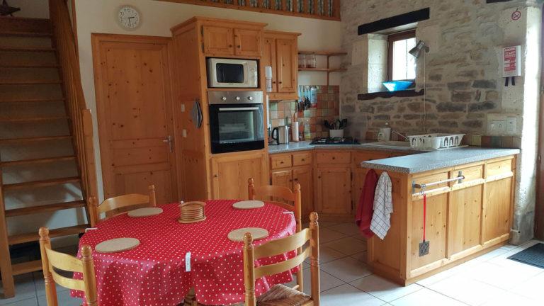 Le-Poirier-salle-et-manger-cuisine